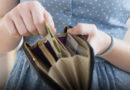 В Лиепае растет средняя зарплата и число работающих жителей