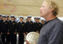 Экипаж парусника «Либава» вручил «Крузенштерну» подарок