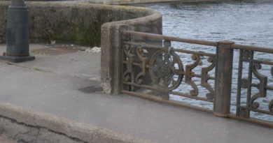 """""""Вешали замок на Трамвайный мост? Придите, заберите!"""""""