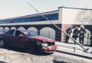 ДТП на Новом мосту: автомобиль снес столб и перевернулся