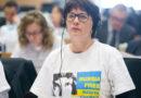 Калниете призвала изъять из продажи футболки с символикой СССР
