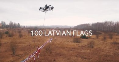 100 латвийских флагов подняли на высоту 100 метров (видео)