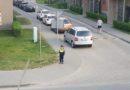 Лиепая: мальчик в форме полицейского дежурил у дороги