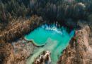 В Курземском лесу нашли необычное озеро (фото, видео)