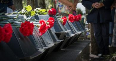 Над Лиепаей пролетели журавли: перезахоронены 15 неизвестных солдат