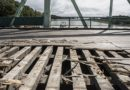 Смена деревянного покрытия на мосту О.Калпака (фото)