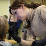 Радость творить добро: визит волонтеров в дом престарелых (видео)