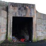 Лиепая: возле больницы открытый бункер с остатками химикатов (видео)