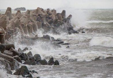 На Курземском побережье объявлено оранжевое предупреждение