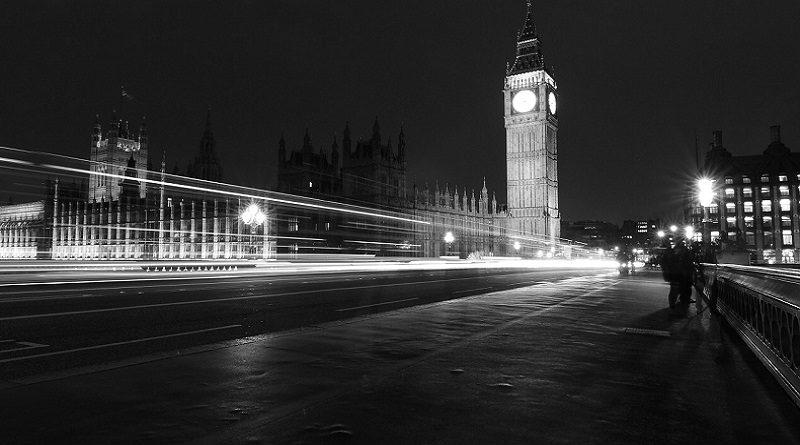 """Великобритания: свободное передвижение закрыто, рабочие за """"минималку"""" больше не нужны"""