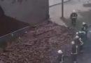 Очевидец: в Т/Ц Остмала обрушена часть стены (видео)