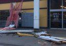 В Т/Ц Maxima XL SALA ветром сорвало часть крыши (фото, видео)