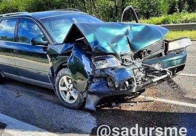 Лиепая: в ДТП пострадали водитель грузовика и «Audi»