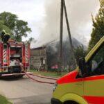 В Лиепае горел жилой дом и гараж
