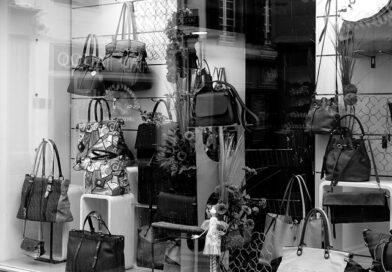 Перевощиков: несмотря на улучшение ситуации, магазины открывать рано