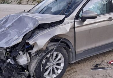 В Юркалне автомобиль упал с обрыва (видео)
