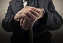 Эксперт: пенсионный возраст в Латвии придется повышать и дальше