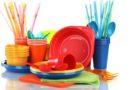 С июля в странах ЕС вступает в силу запрет на продажу одноразовой пластиковой посуды