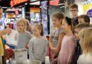 «Маленькие Энштейны» приготовили мороженое и украшения на елку (видео)