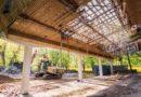 Начали работы по демонтажу главного здания концертной эстрады «Пут, веини!»