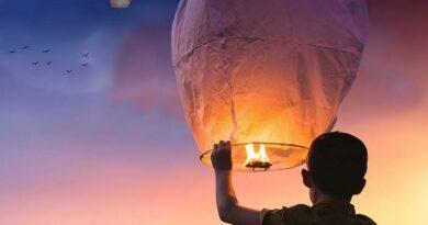Спасатели призывают не запускать в небо воздушные фонарики