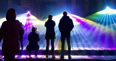 Световое шоу привлекло множество лиепайчан (фото, видео)
