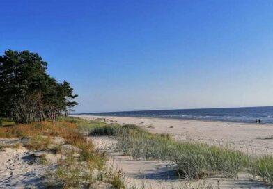 На пляже под Лиепаей на солнце загорелся вымытый из моря кусок фосфора