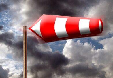 В Курземе сильный ветер и ливень – объявлено желтое предупреждение!